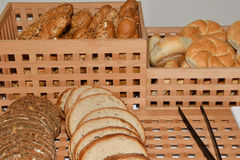 Robić croissant i chleb Fotografia Stock