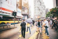 Robiący zakupy na droga na grobli zatoce w Hong Kong, Chiny Obrazy Royalty Free
