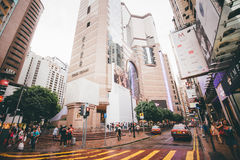 Robiący zakupy na droga na grobli zatoce w Hong Kong, Chiny Obrazy Stock