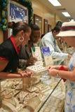 Robiący zakupy w Oranjestad, Aruba zdjęcie stock