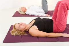 robić exercices matują kobiety Zdjęcia Royalty Free