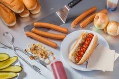 Robić hot dog Zdjęcia Stock