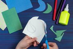 Robić kartka z pozdrowieniami dla Macierzystego ` s dnia Krok 3 Zdjęcie Stock