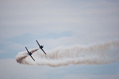 robić samolotów cywilni robi manoeuvres Fotografia Royalty Free