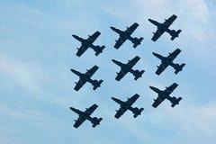 robić samolotów cywilni robi manoeuvres Obrazy Royalty Free