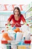 Robić zakupy przy centrum handlowym Fotografia Stock