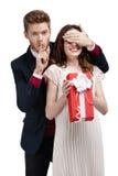 Robienie ciszy gesta mężczyzna zamyka oczy dziewczyna Fotografia Stock