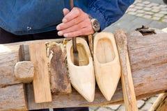 Robienie Holendera Tradycyjna but umiejętność obrazy stock