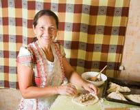 robienie mięsnej klajstrowatej kobiety Fotografia Royalty Free