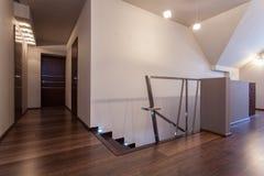 Robijnrood huis - Eerste verdieping royalty-vrije stock afbeelding