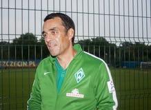 Robin Dutt est un joueur et un bout de football allemands retirés contrôlés Images libres de droits