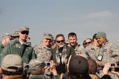 Robin Williams avec les troupes Photo stock