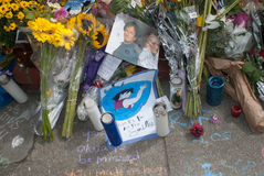 Robin Williams Memorial. Note left at the impromptu shrine for Robin Williams on the steps of the Mrs Doubtfire house in San Francisco, California Stock Photography