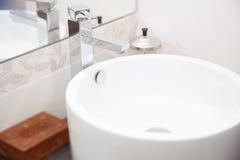 Robinet d'évier et d'eau Image stock