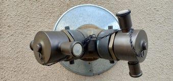 Robinet d'eau pour des sapeurs-pompiers images stock