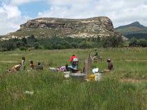 Robinet de village au Lesotho photos stock