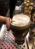 Robinet vaillant irlandais de bière images stock