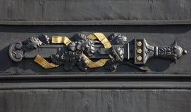 Roble y espada antigua Monumento a la batalla de Kulm Fotos de archivo