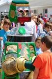 Robot & bambini di D.A.R.E Fotografia Stock