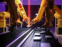 Robot astuto di industria di automazione nell'azione immagini stock libere da diritti