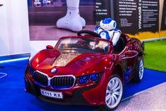 Robot in auto op Robotica Expo 2016 stock fotografie