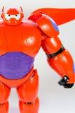 Robot BAYMAX från den STORA Disney för HJÄLTE 6 filmen Arkivbilder