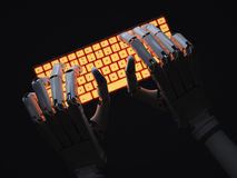 Robot dactylographiant sur le clavier Images libres de droits