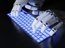 Robot dactylographiant sur le clavier Photo libre de droits