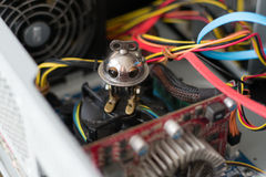 Robot dans l'ordinateur Images stock