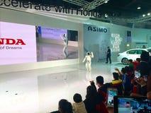 Robot de ASIMO en la expo auto 2016 en Noida, la India fotografía de archivo