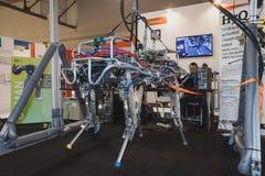 Robot de HyQ en la exhibición en Solarexpo 2014 en Milán, Italia Imagen de archivo