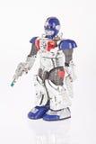 Robot del giocattolo su fondo bianco immagine stock