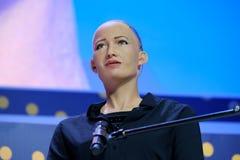 Robot del humanoid de Sophia en la conferencia de las innovaciones Open en el technopark de Skolokovo Foto de archivo