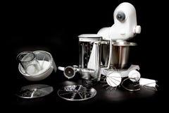Robot della cucina con il primo piano completo dell'attrezzatura Fotografie Stock Libere da Diritti