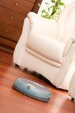 Robot domestico di pulizia Fotografia Stock