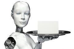 Robot femenino que sostiene una bandeja de la porción con un anuncio de la tarjeta en blanco