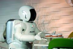 Robot het dienen Stock Foto