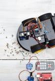 Robot i różne konieczne części budować robot Pionowo P Obraz Stock