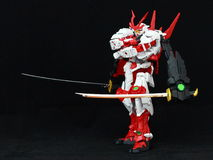 Robot japonais avec de doubles samouraïs Photo libre de droits