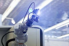 Robot per saldatura automatico fotografie stock libere da diritti