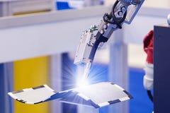 Robot per saldatura automatico fotografia stock