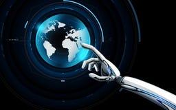Robot ręka dotyka wirtualnego ziemskiego hologram ilustracja wektor