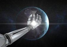 Robot ręka z światłem białym przed kulą ziemską Obrazy Stock