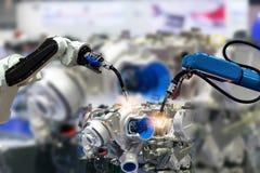 Robot ręki Parowozowa produkcja Przemysłowi 4 (0) rzeczy technologii używać zdjęcia royalty free