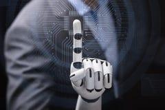 Robot` s Vinger wat betreft Computer Micro- Spaander royalty-vrije stock afbeeldingen