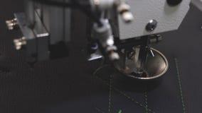 Robot szwalna maszyna Automatyczna szwalna maszyna Robotyka pracy w krawiectwo linii produkcyjnej Komputerowe kontrole zdjęcie wideo