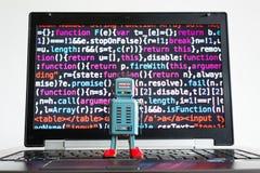 Robot z źródło kodu ekranem, sztuczna inteligencja, głęboki uczenie pojęcie obrazy stock