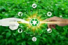 Robota i istoty ludzkiej ręki z dotykać wirtualne środowisko ikony nad sieć związkiem na natury tle, Sztucznym royalty ilustracja