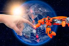 Robotachtige die techniek met mensen voor toekomst rond het wereldconcept wordt verbonden royalty-vrije stock afbeelding