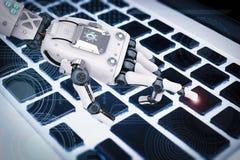 Robotachtige hand die met toetsenbord werken Royalty-vrije Stock Fotografie